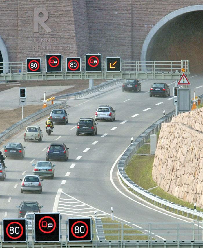 Der Rennsteigtunnel der Thüringer Wald-Autobahn A71 von Schweinfurt nach Erfurt