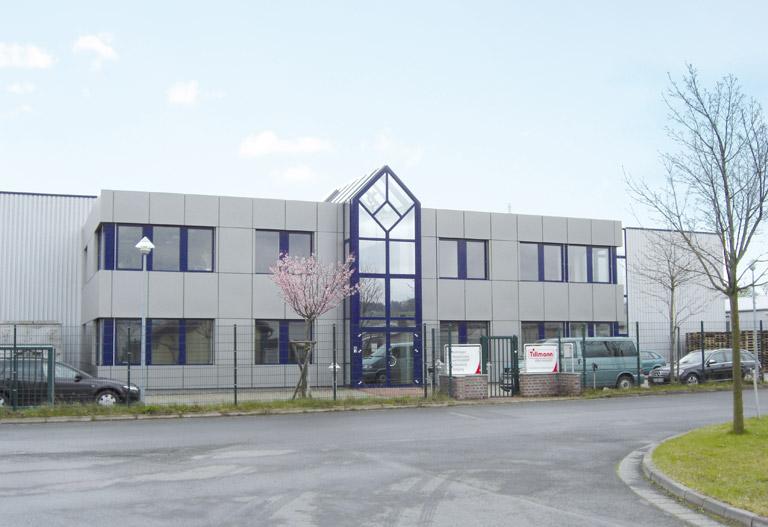 Das Firmengebäude der Tillmann Verpackungen Schmalkalden GmbH