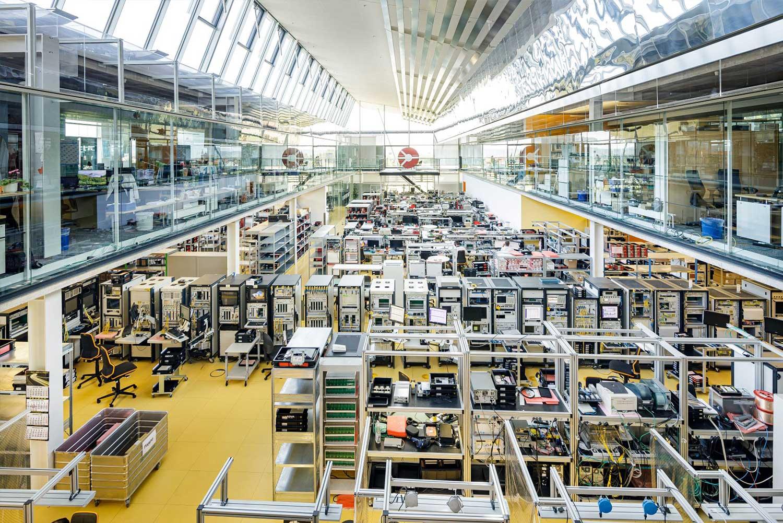 ADVA Optical Networking SE Produktionshalle