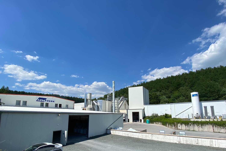 Außenansicht des Firmengebäudes der Lauscha Fiber International GmbH