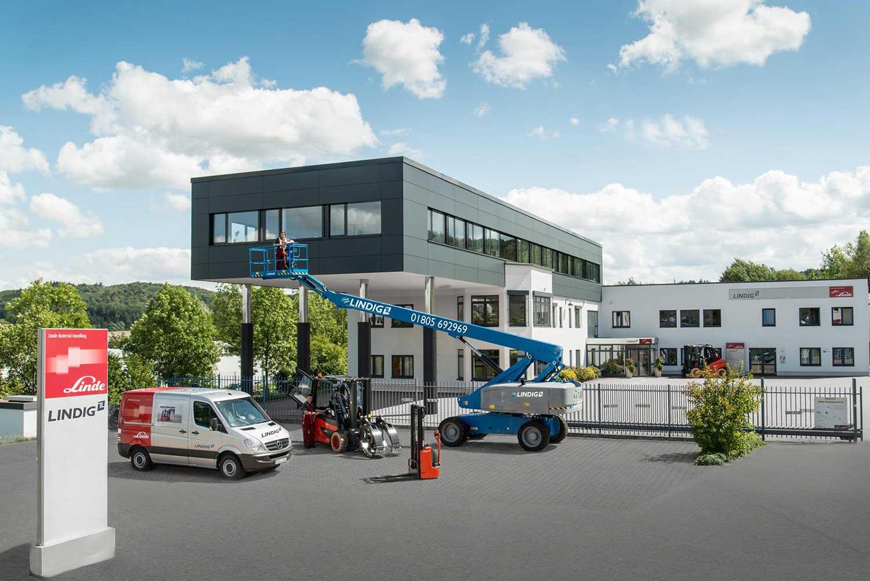 Außenansicht des Firmengebäudes der LINDIG Fördertechnik GmbH